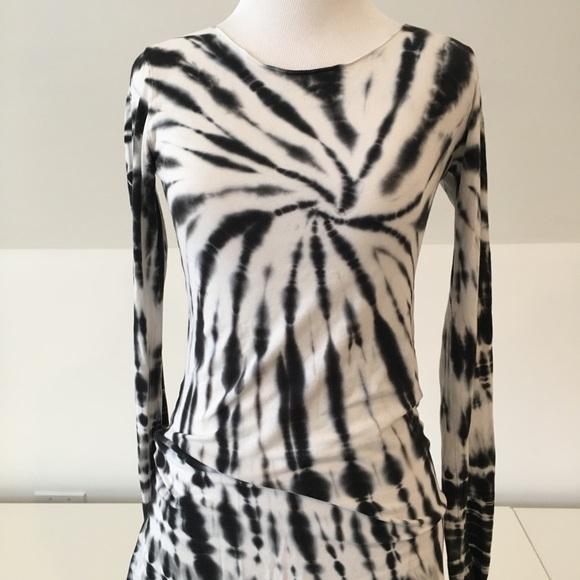 17ef6c7e6d2e Hard Tail Tops - Hard Tail black & white tie-dye tunic